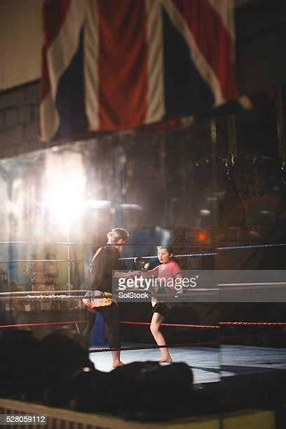 Weibliche Mauy Thai-Boxershorts