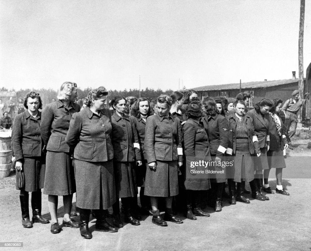 Belsen Aufseherinnen : News Photo