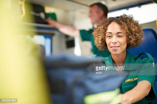Femme auxiliaires médicaux de travail
