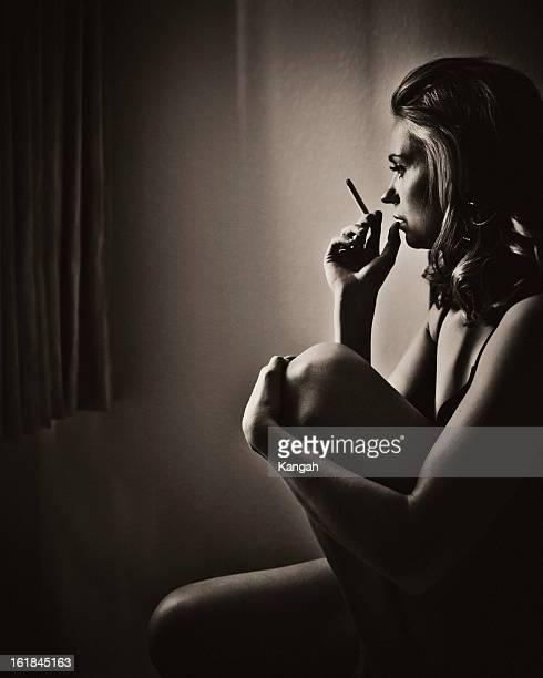 retrato de mujer - mujer seductora fotos fotografías e imágenes de stock