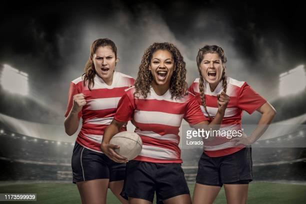 3 女子ラグビー選手 - ラグビートーナメント ストックフォトと画像