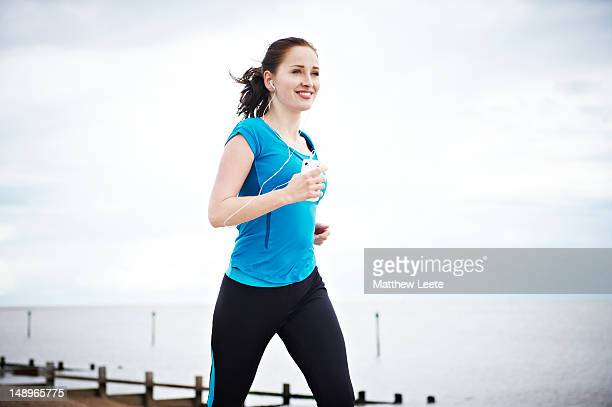 female runner - matthew hale stock pictures, royalty-free photos & images