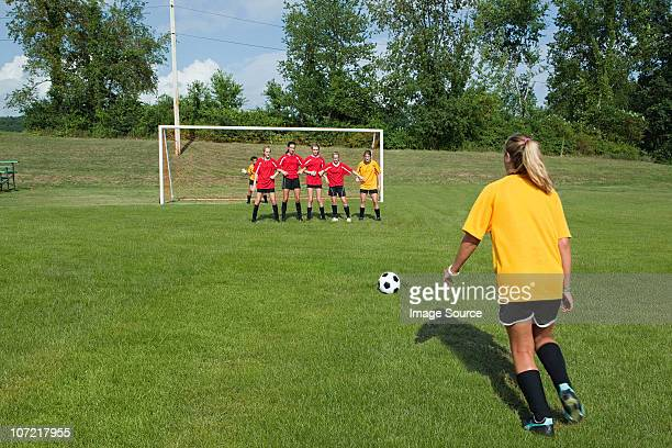 female soccer player taking free kick - chatham new york state stock pictures, royalty-free photos & images