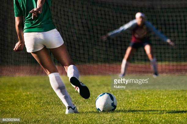 Female soccer players - penalty shot