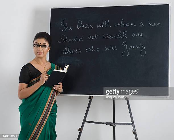 60 Top Female Teacher India Pictures, Photos and Images