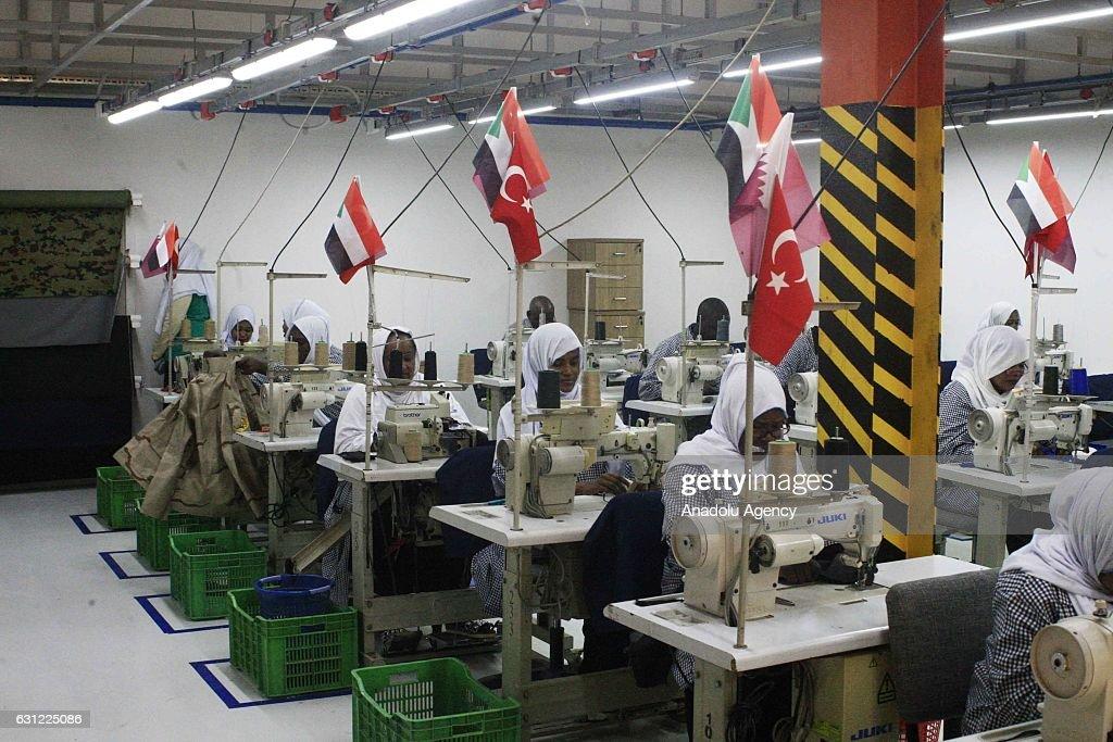 Turkish-Qatar Textile Factory opens in Sudan : Nachrichtenfoto