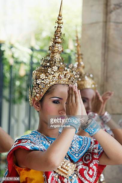female thai dancer - place of worship stock pictures, royalty-free photos & images