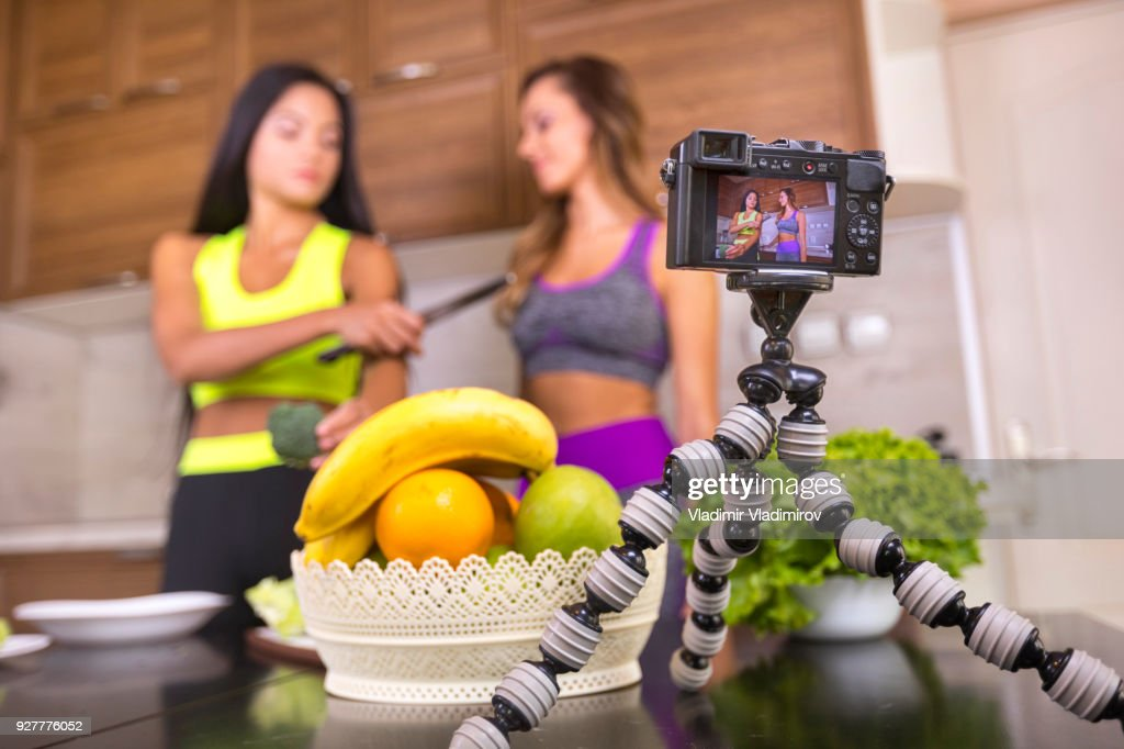 Female vloggers making video for healthy eating : Stock Photo