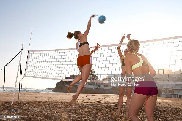 Female vollyball players