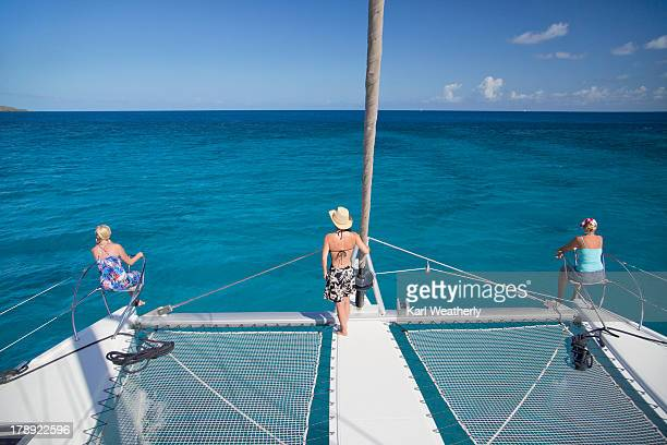 3 females sailing