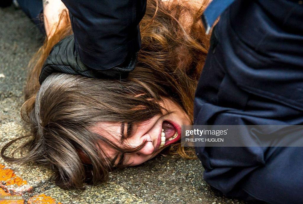 FRANCE-TRIAL-PROSTITUTION-FEMEN : News Photo