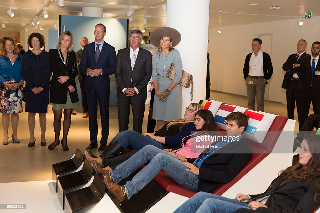 Femke de Vries, Kajsa Ollongren; Klaas Knot; Ton Landsdaal and Queen Maxima of The Netherlands during opening of the new visitor center of the Netherlands Bank on September 22, 2015 in Amsterdam, Netherlands