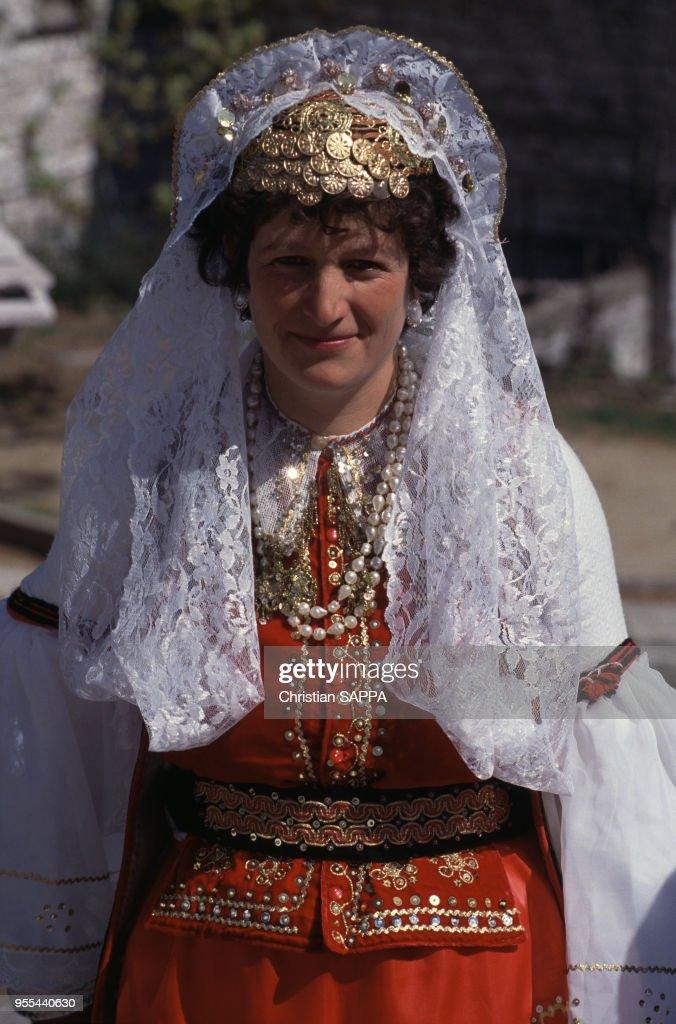 Folklorique D'un Costume Femme Lors À Festival En Traditionnel dxhCsQtr