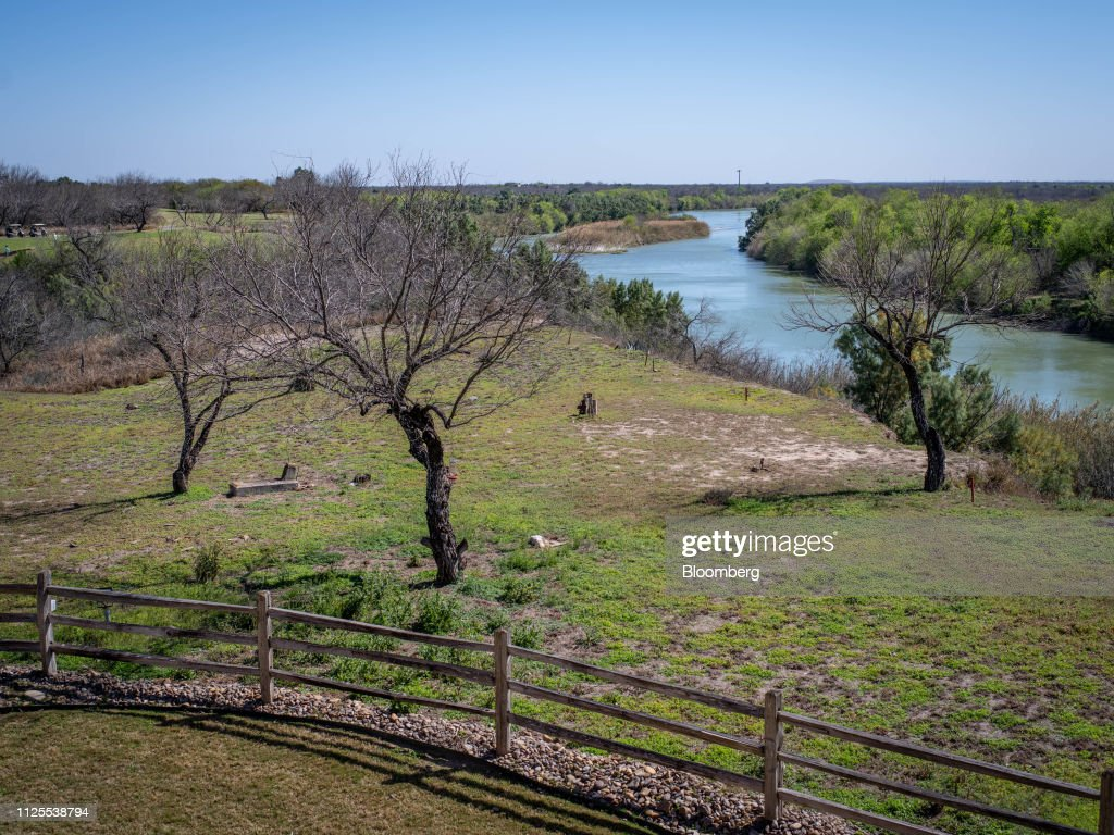 TX: Trump's Border Wall Faces Texas-Size Backlash From Land Owners