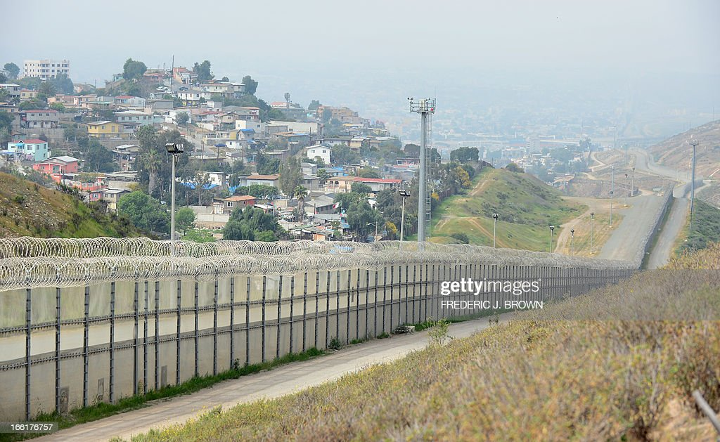 US-MIGRATION-SECURITY-BORDER : News Photo