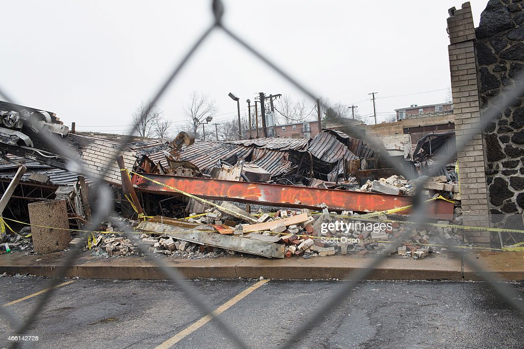 Ferguson's Fragile Recovery Shaken After Police Casualties : Nyhetsfoto