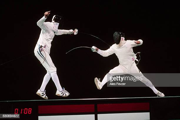 fencers at 1996 olympic games - 1996 summer olympics atlanta stock pictures, royalty-free photos & images