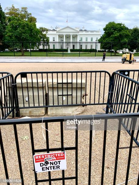 fences around north facade of white house in washington, d.c. usa - donald trump us president stock pictures, royalty-free photos & images
