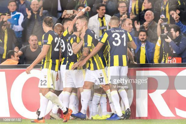 Fenerbahce celebrate the goal of Andre Ayew of Fenerbahce SK during the UEFA Europa League group D match between Fenerbahce AS and RSC Anderlecht at...