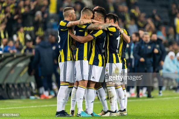 Fenerbahce celebrate the goal of Nabil Dirar of Fenerbahce SK during the Turkish Spor Toto Super Lig football match between Fenerbahce and Demir Grup...