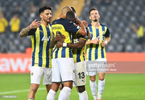 Fenerbahce Players celebrates for Enner Valencia's goal during the UEFA Europa League group D match between Fenerbahce and Royal Antwerp FC at sukru...