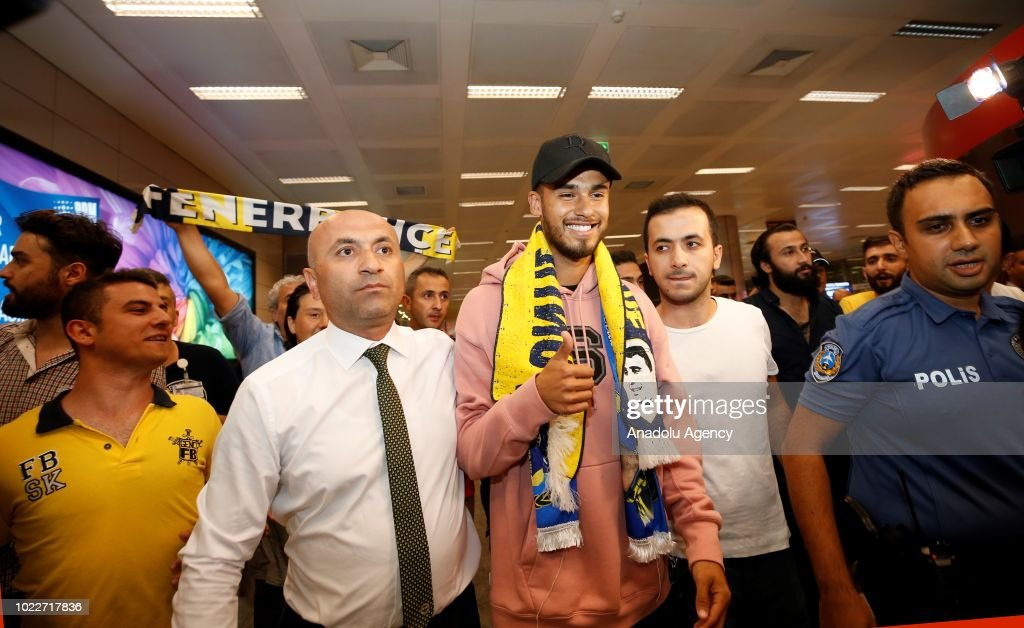 New signing of Fenerbahce Diego Reyes in Istanbul : ニュース写真