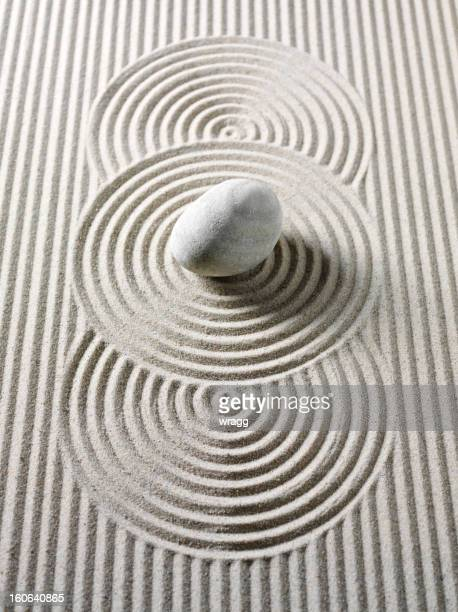 Feng Shui Circles and Lines in Sand