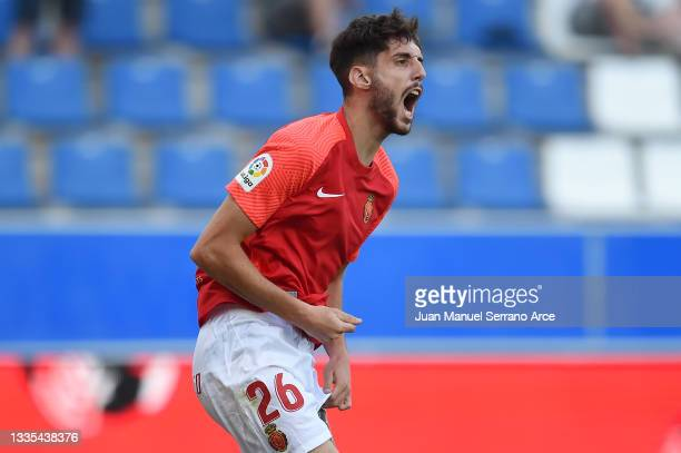 Fer Nino of RCD Mallorca celebrates after scoring their side's first goal during the La Liga Santander match between Deportivo Alaves and RCD...