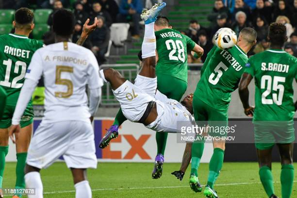 TOPSHOT Ferencvaros's Ivorian forward Franck Boli executes a bicycle kick during the UEFA Europa League Group H football match between PFC Ludogorets...