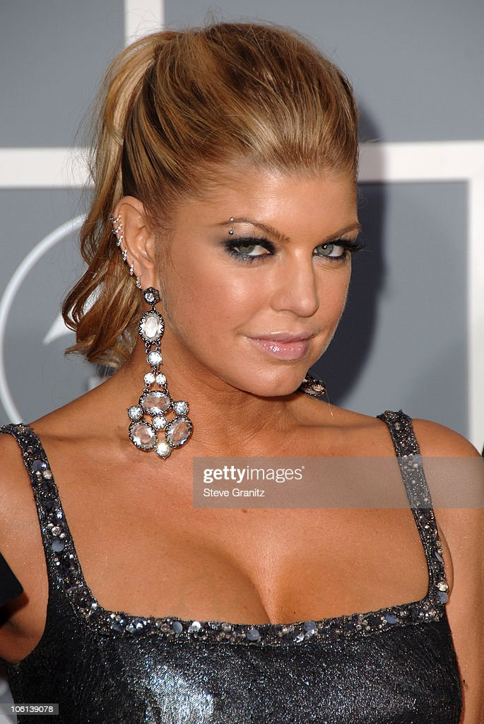 The 49th Annual GRAMMY Awards - Arrivals : News Photo