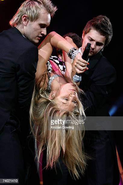 Fergie performs on stage during the third annual MTV Australia Video Music Awards 2007 at Acer Arena on April 29, 2007 in Sydney, Australia.