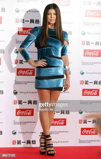 Fergie poses on the red carpet during the MTV Video Music Awards Japan 2009 at Saitama Super Arena on May 30 2009 in Saitama Japan
