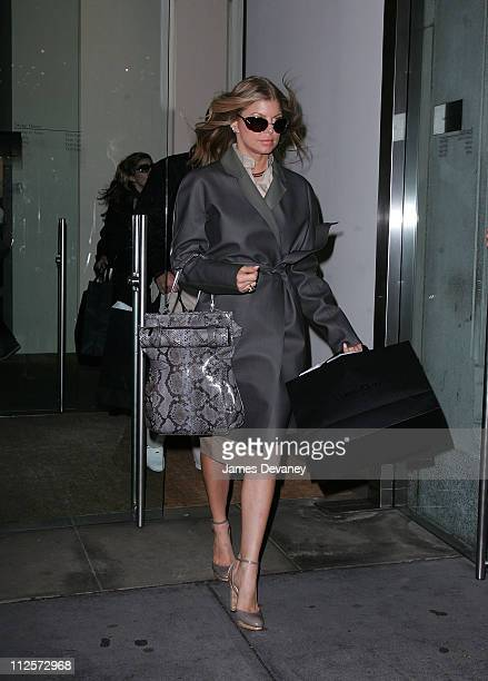 3b2f52d397 Fergie Shops At Calvin Klein In New York February 4 2008 Pictures ...