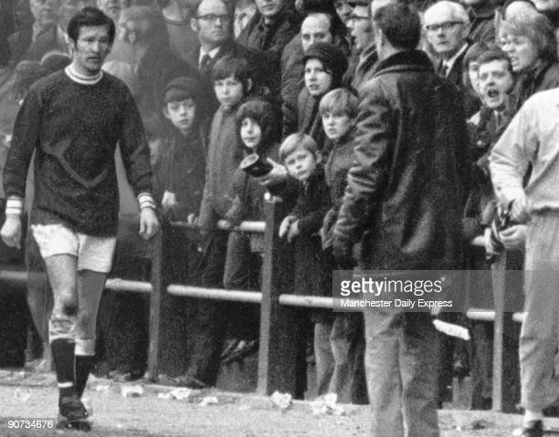 Ferguson walking towards Falkirk manager Cunningham after being sent off during a match Scottish footballer Ferguson played for St Johnstone...