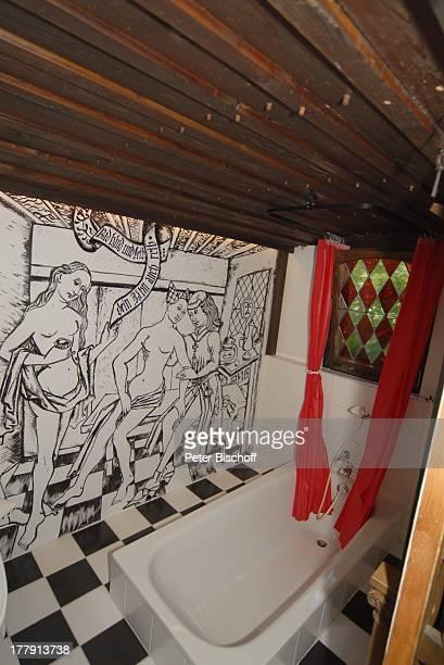 Ferienhaus Kupferhäusel von Simone Rethel Homestory Inneralpbach Tirol sterreich Europa innen Badezimmer Badewanne Schauspielerin Reise