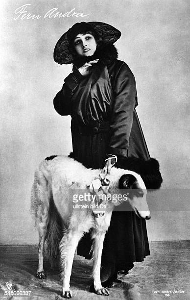 Fern Andra Fern Andra *1893 Actress USA with a Borzoi undated probably 1910 Photographer Atelier Binder Vintage property of ullstein bild