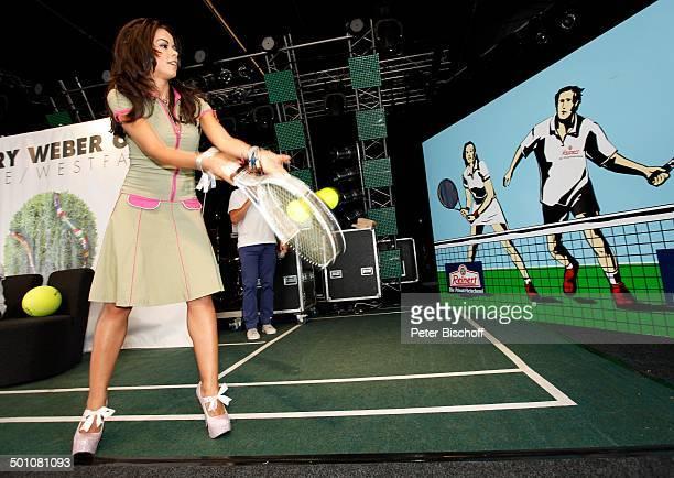 Fernanda Brandao ShowTalk bei 19 'Gerry Weber Open'TennisTurnier Halle NordrheinWestfalen Deutschland Europa Bühne Auftritt TennisSchläger...