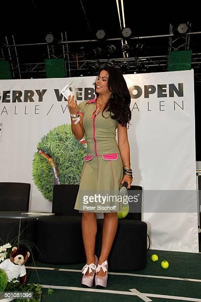 Fernanda Brandao ShowTalk bei 19 'Gerry Weber Open'TennisTurnier Halle NordrheinWestfalen Deutschland Europa Bühne Auftritt Mikro PlateauSohlen...