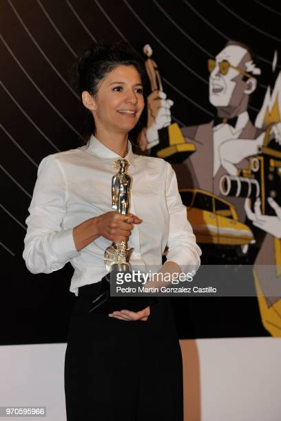 Fernanda de la Peza poses with the Ariel Award for Best Edition for 'The Untamed' during 60th Ariel Awards at Palacio de Bellas Artes on June 5 2018...