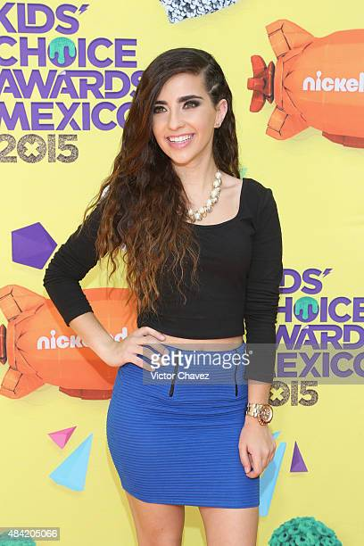 Fernanda Urdapilleta arrives at Nickelodeon Kids' Choice Awards Mexico 2015 Red Carpet at Auditorio Nacional on August 15, 2015 in Mexico City,...