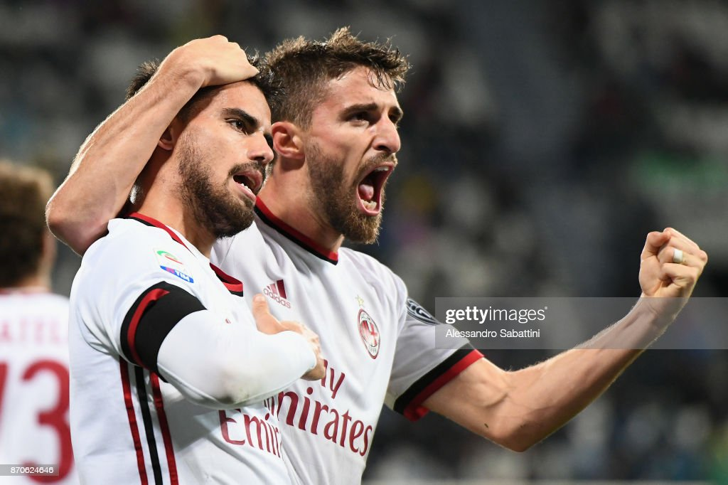 Fernandez Saenz Jesus Joaquin Suso of AC Milan celebrates after scoring his team second goal during the Serie A match between US Sassuolo and AC Milan at Mapei Stadium - Citta' del Tricolore on November 5, 2017 in Reggio nell'Emilia, Italy.