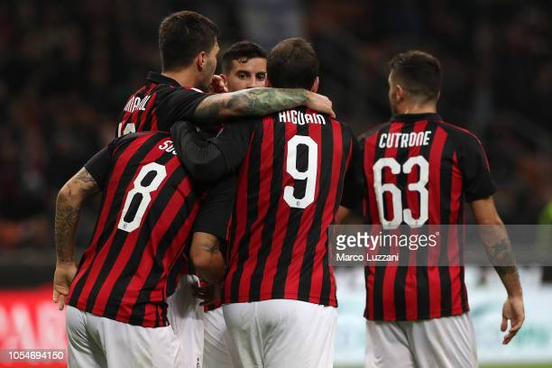 Fernandez Suso of AC Milan celebrates his goal with his teammates during the Serie A match between AC Milan and UC Sampdoria at Stadio Giuseppe...