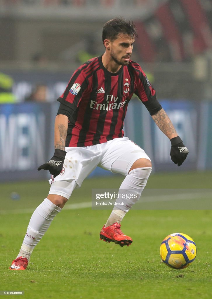 Fernandez Suso of AC Milan in action during the TIM Cup match between AC Milan and SS Lazio at Stadio Giuseppe Meazza on January 31, 2018 in Milan, Italy.