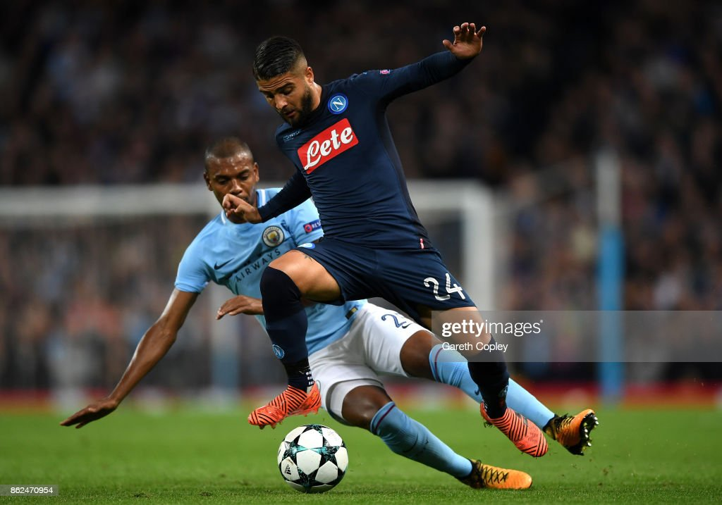 Fernandinho of Manchester City and Lorenzo Insigne of SSC Napoli battle for possession during the UEFA Champions League group F match between Manchester City and SSC Napoli at Etihad Stadium on October 17, 2017 in Manchester, United Kingdom.