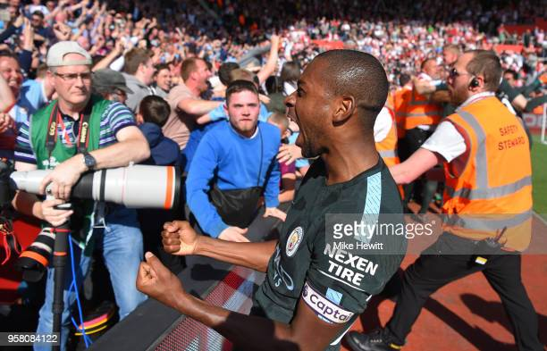 Fernandinho of Manchester City celebrates at the full time whistle the Premier League match between Southampton and Manchester City at St Mary's...