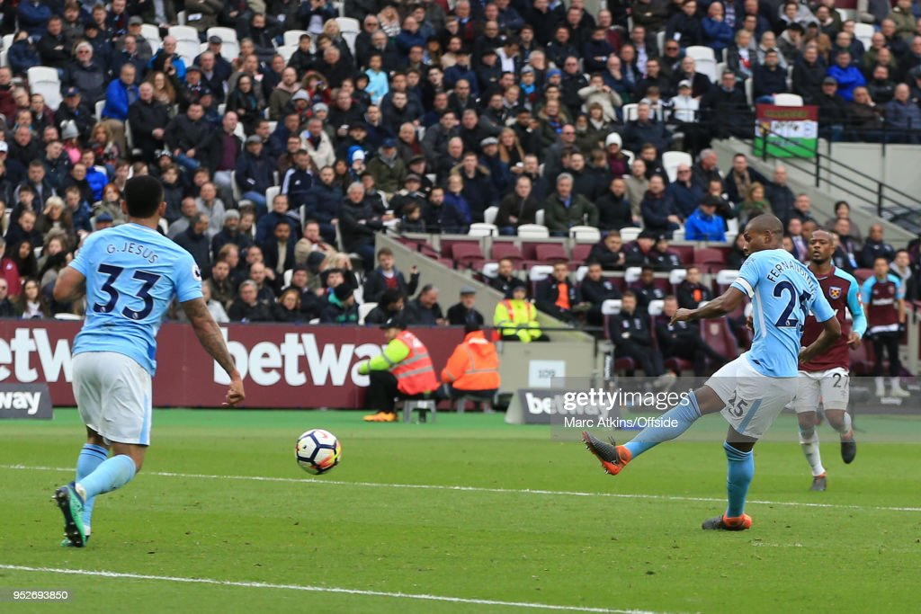 Fernandinho of Manchester City scores their 4th goal during the Premier League match between West Ham United and Manchester City at London Stadium on April 29, 2018 in London, England.