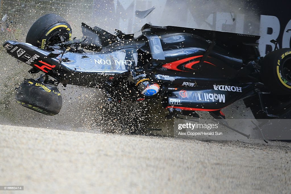 Fernando Alonso Crashes At The Australian F1 Grand Prix