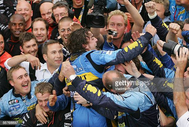 Fernando Alonso of Spain and Renault celebrates winning the World Championship after winning the Brazilian F1 Grand Prix at the Autodromo Interlagos...