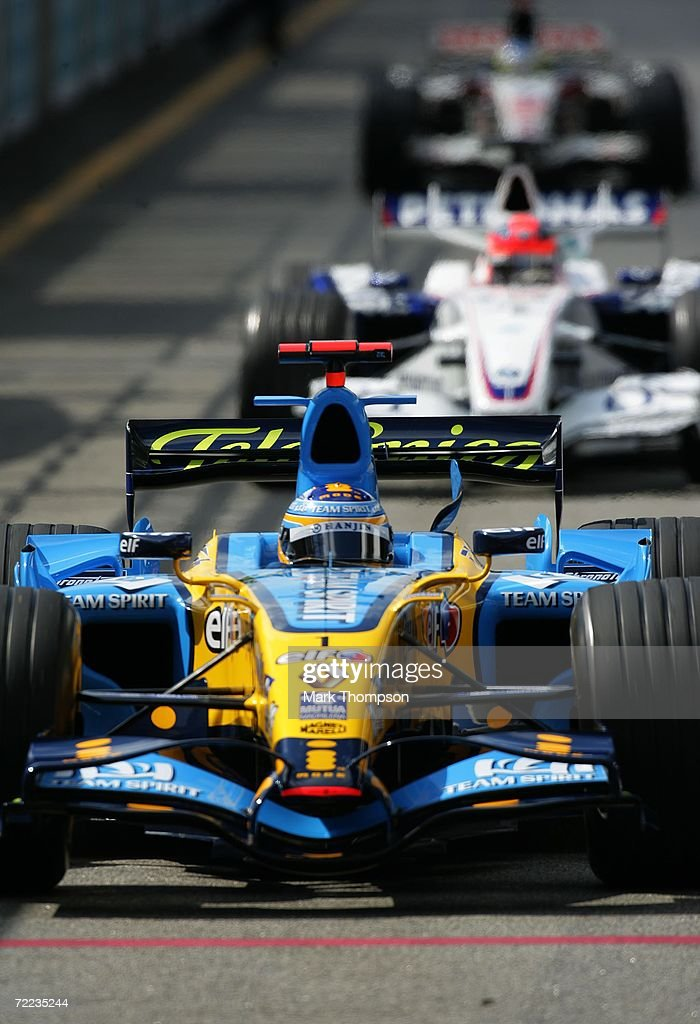 Fernando Alonso of Spain and Renault drives in the qualifying session of the Brazilian Formula One Grand Prix at the Autodromo Interlagos on October 21, 2006 in Sao Paulo, Brazil.