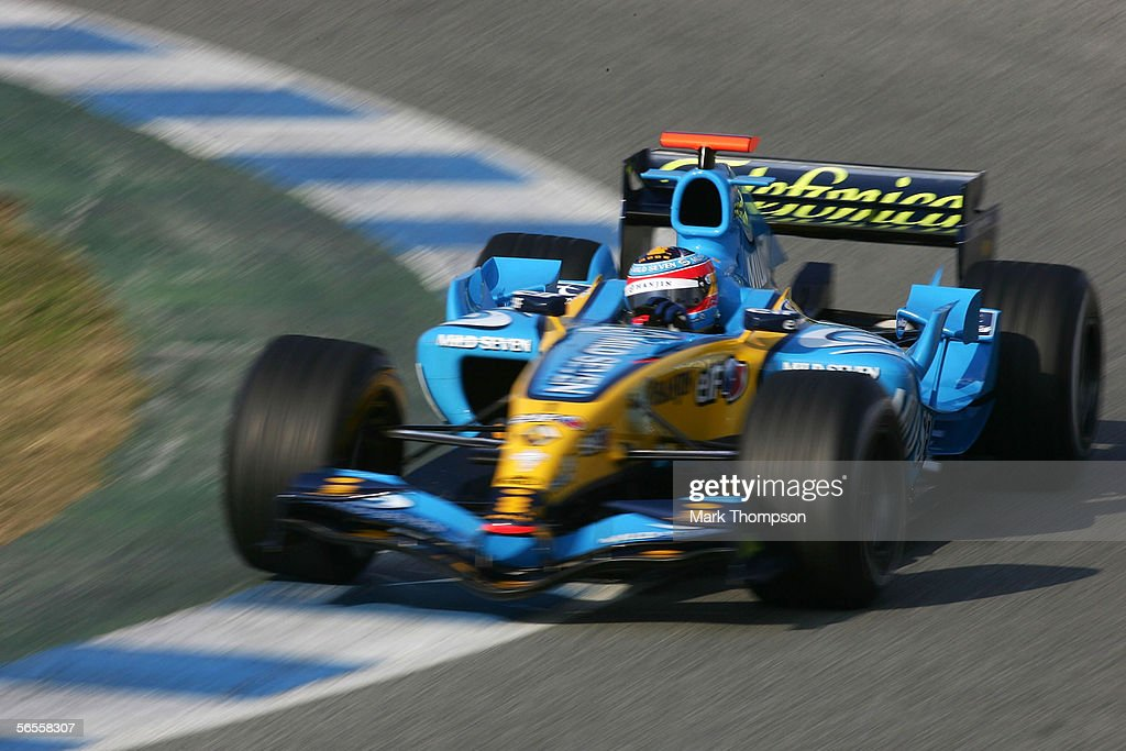 [Imagen: fernando-alonso-of-spain-and-renault-dri...id56558307]